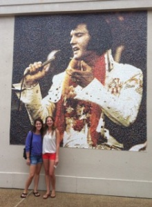 Jessie and Deborah with the King